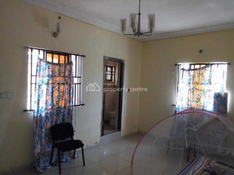 Room Self Contained in a Shared Apartment, Off Kusenla Road, Chissco Busstop, Ikate Elegushi, Lekki, Lagos, Self Contained (single Rooms) for Rent