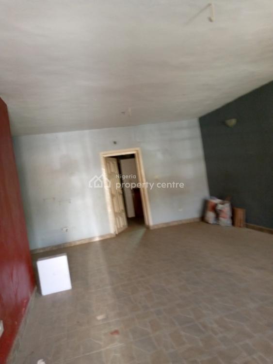 Big Standard 3 Bedroom, Off Unilag Estate, Magodo, Lagos, Flat for Rent