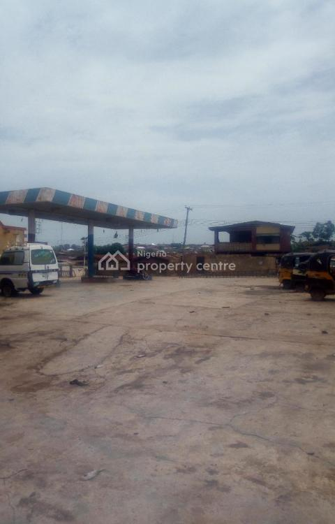 a Non-functional Filling Station (carcass) and a Supermarket., Oremeji-babanla Road, Alakia, Ibadan, Oyo, Filling Station for Sale