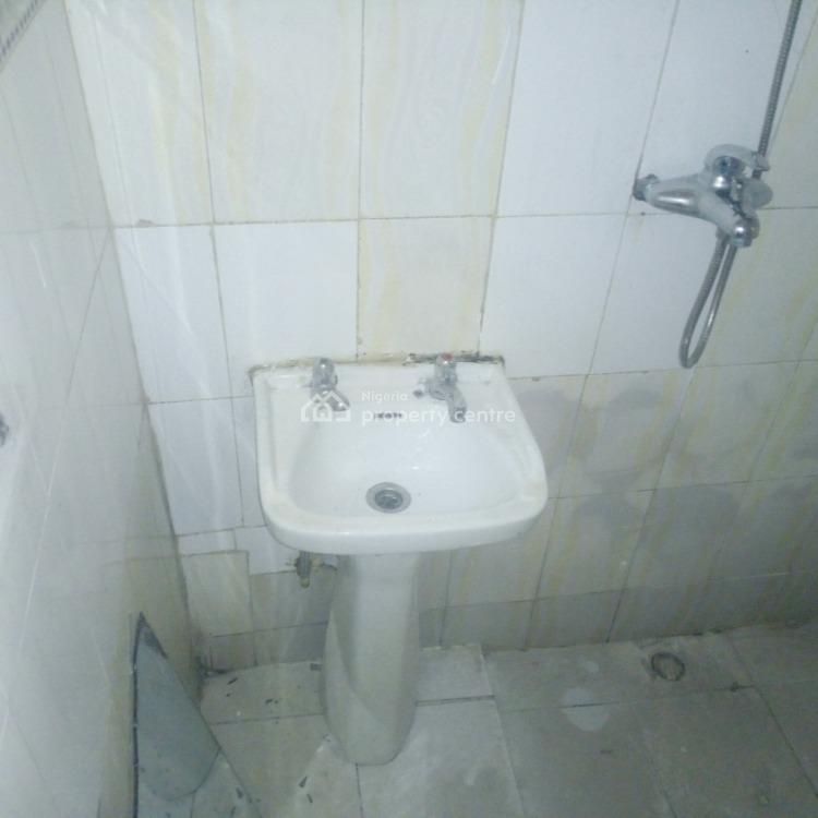 a Sizable 1 Bedroom Flat with Small Dinning Area, Durumi By Cac Church, Durumi, Abuja, Mini Flat for Rent