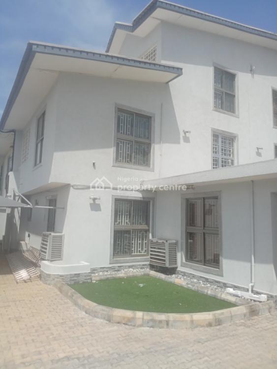 4bedroom Terrace, Behind Petrocam Fuel Station, Lekki Phase 1, Lekki, Lagos, Terraced Duplex for Rent