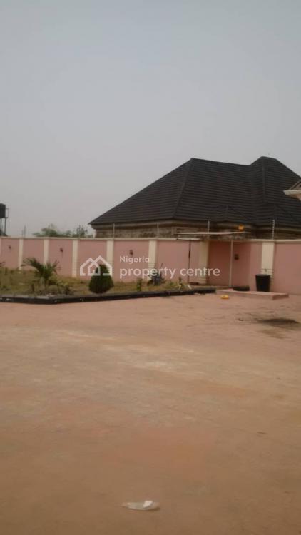 Luxurious 4 Bedrooms Bungalow, Between Okabere/evboubogun Off Sapele Road, Benin, Oredo, Edo, Detached Bungalow for Sale