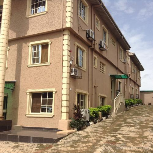 For sale hotel olusun road ado odo ota ogun nigeria for Houses for sale with guest house on property
