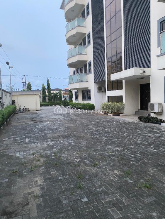 Spacious 3 Bedroom Flats with 2 Living Rooms, Road, Banana Island, Ikoyi, Lagos, Flat for Rent