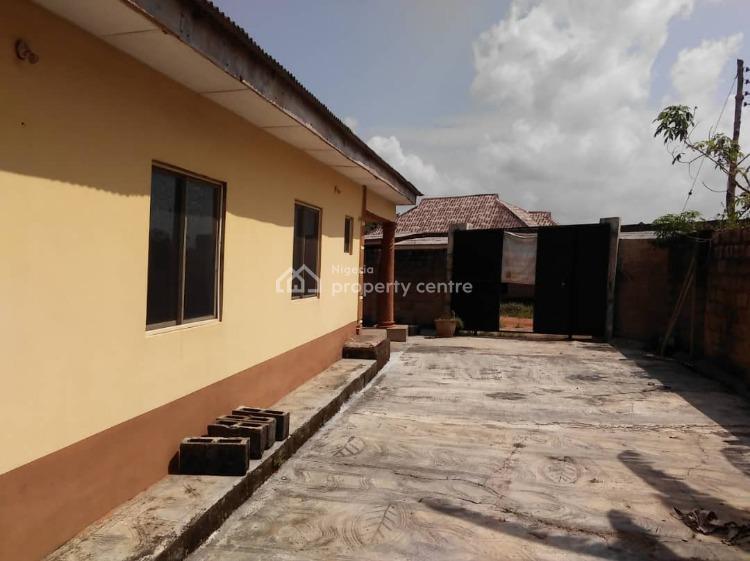 10 Bedroom Bungalow, Simawa, Ogun, Detached Bungalow for Sale