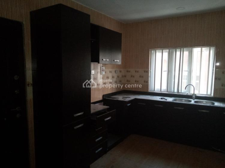 Well Maintain Spacious 3 Bedroom Flat, Osapa, Lekki, Lagos, Flat for Rent