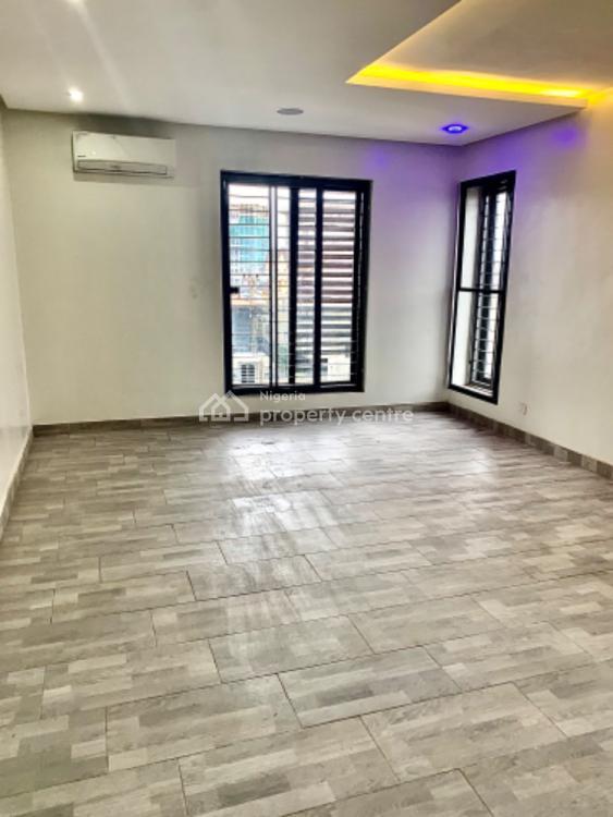Luxury 3bedrooms +1bq Flat, Lekki Phase 1, Lekki, Lagos, Flat / Apartment for Sale