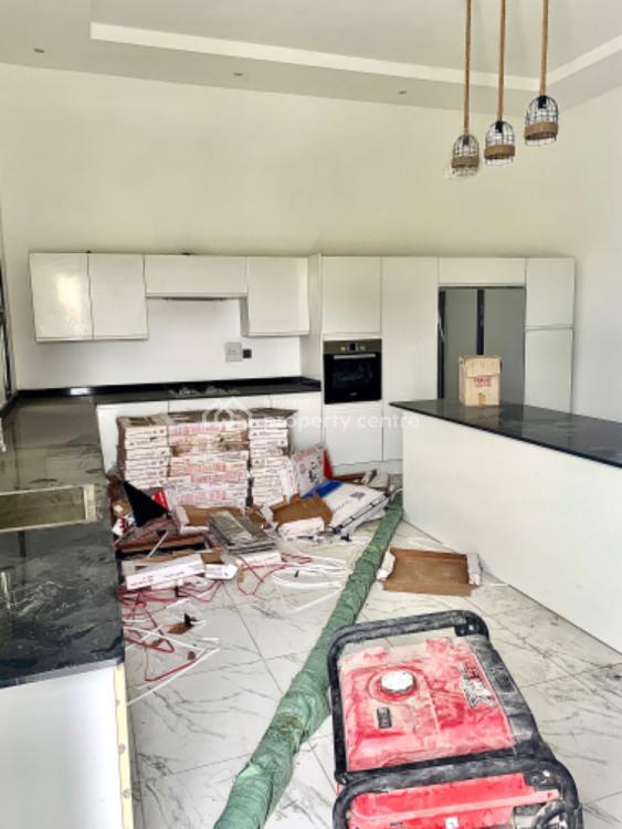 5bedrooms +1bq Fully Detached, Osapa, Lekki, Lagos, Detached Duplex for Sale
