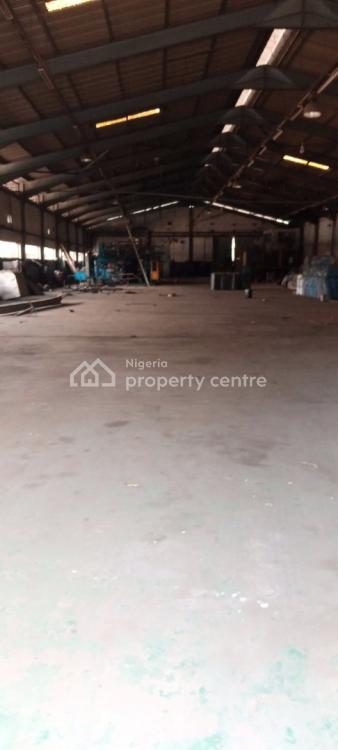 a Well Positioned Vacant and Warehouse Measuring 1,728 Square Metres, on a Major Area at Along Alapata Road, Apapa, Lagos, Warehouse for Rent