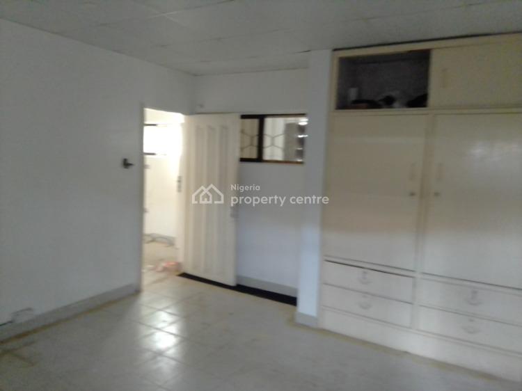 a Nice Mini- Flat, Ikorodu Crescent, Dolphin Estate, Old Ikoyi, Ikoyi, Lagos, Mini Flat for Rent