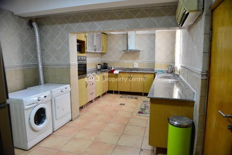 Lovely 3 Bedroom Flat, Off Club Road, Old Ikoyi, Ikoyi, Lagos, Flat for Sale