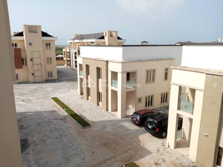 Serviced Brand New 2 Bedroom Penthouse Flat, Lekki Phase 1, Lekki, Lagos, Flat for Rent
