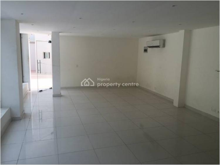 Commercial Structure, By Ebeano Chevron Drive, Lekki, Lagos, Plaza / Complex / Mall for Sale