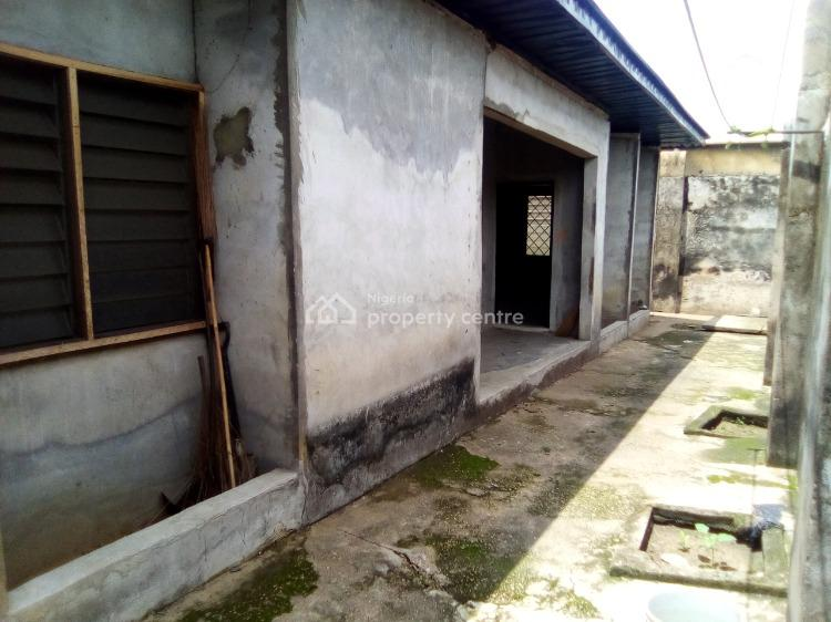 Distress: 3 Bedroom Flat with Fence and Gate, Abak Road By Transformer Bus Stop, Uyo, Akwa Ibom, Detached Bungalow for Sale