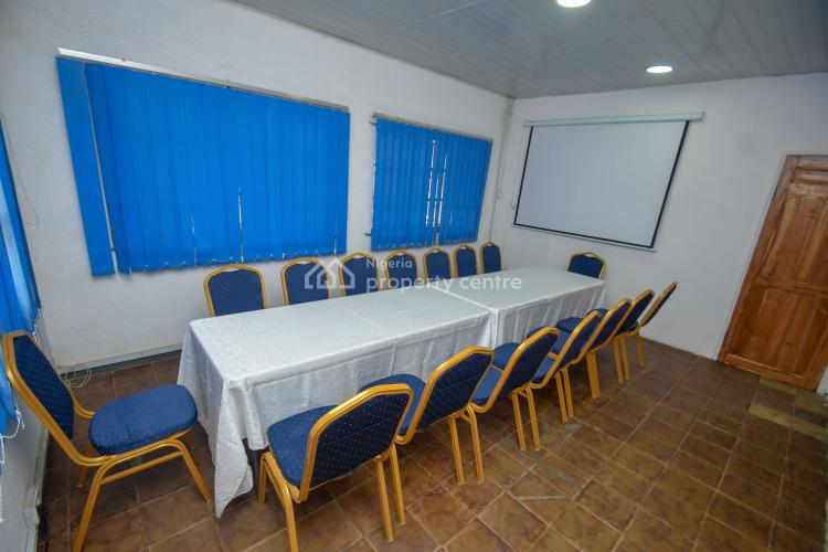30 Persons Capacity Training Room, Ogunlana, Surulere, Lagos, Conference / Meeting / Training Room for Rent