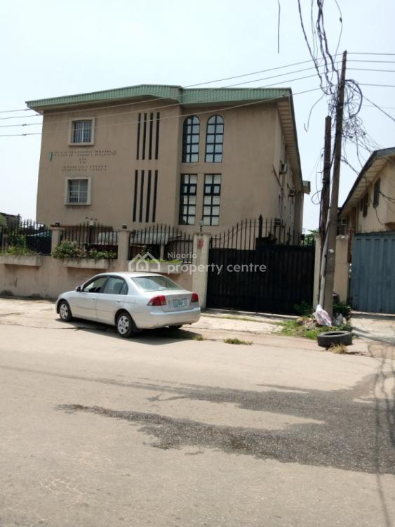 Vones Specialist Hospital, 9 Barikisu Iyede Road Onike Yaba, Onike, Yaba, Lagos, Block of Flats for Sale