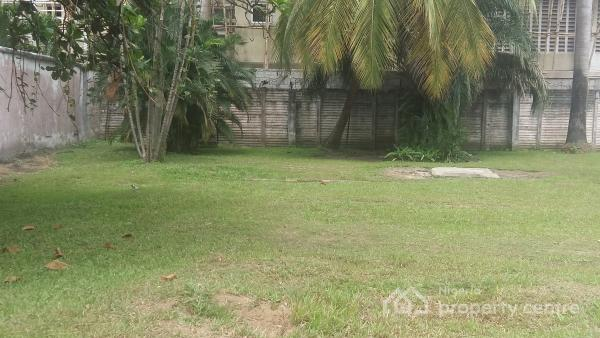 Lovely 5 Bedroom Detached House with 2 Rooms Boys Quarters, Off Queensdrive Road, Old Ikoyi, Ikoyi, Lagos, Detached Duplex for Sale