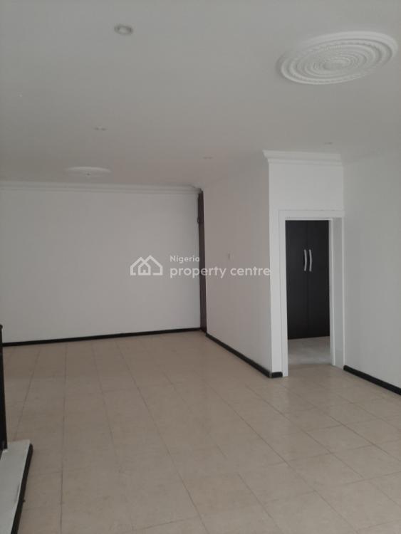 New and Spacious 3 Bedroom En-suite Flat, Lekki Phase 1, Lekki, Lagos, Flat for Rent