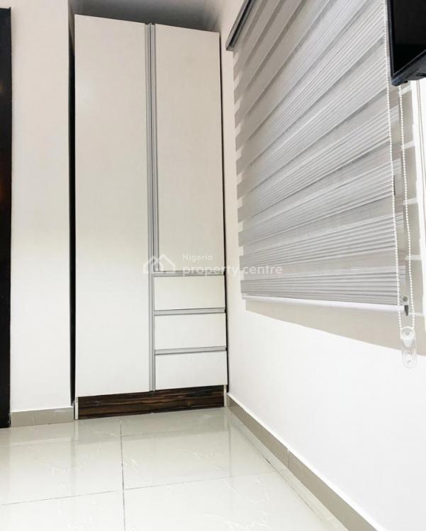 Bespoke 1 Bedroom Apartment with Top Notch Facilities, Off Admiralty Way, Lekki Phase 1, Lekki, Lagos, Flat Short Let