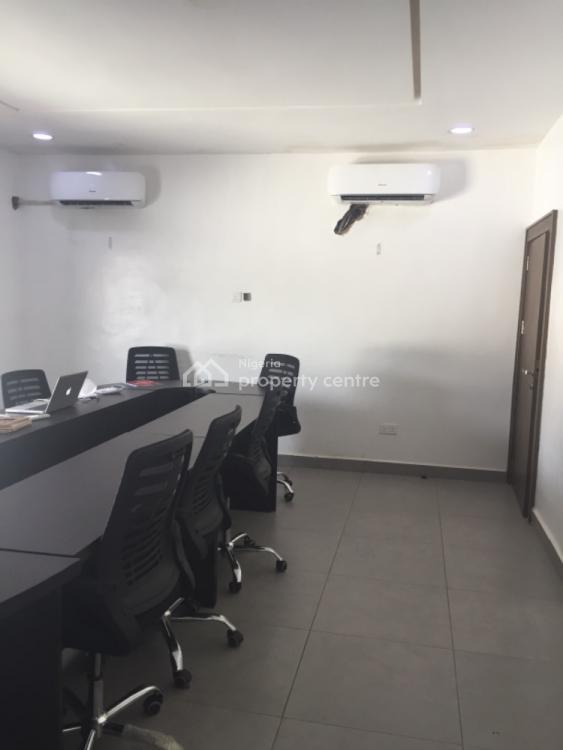 Show Room Measuring 200sqm, Aminu Kano Crescent, Wuse 2, Abuja, Plaza / Complex / Mall for Rent