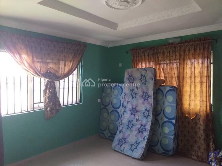 Very Neat Twin 3 Bedroom Flat, Idigbaro Ologuneru Area., Ibadan, Oyo, Flat for Sale