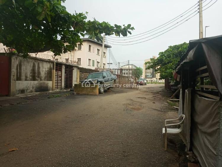 Demolishable Blocks of Flats, Close to Ikorodu Express Road, Obanikoro, Shomolu, Lagos, Block of Flats for Sale
