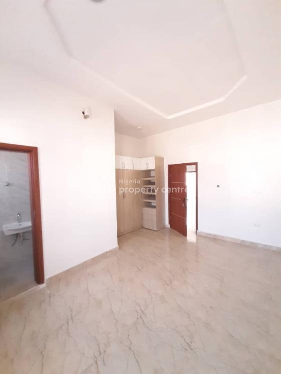 Lovely 4 Bedrooms Semi-detached and 1 Bq, Chevron Drive, Lekki Phase 2, Lekki, Lagos, Semi-detached Duplex for Sale
