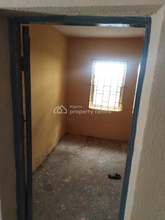 Just Out: Very Decent and Spacious 4 Bedroom Flat, Off Tipper Garage Busstop, Alapere, Ketu, Lagos, Flat for Rent