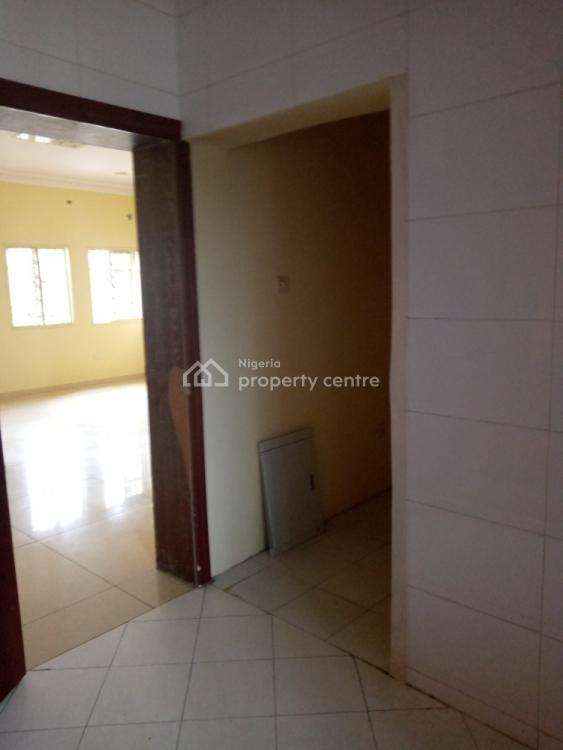 Serviced 3 Bedroom, Right, Lekki Phase 1, Lekki, Lagos, Flat for Rent