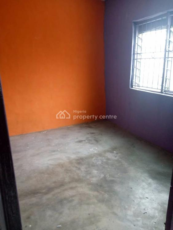 a Fairly Used & Spacious 2 Bedroom, Off Ilaje Road, Bariga, Shomolu, Lagos, Flat for Rent