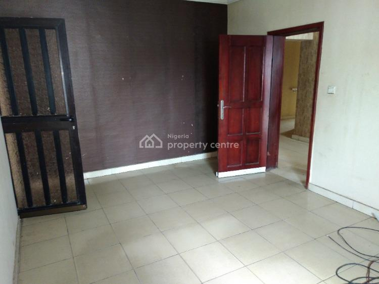Commercial Use!!! Massive 5 Bedroom Office Space with a 2 Bedroom Bq, Ajose Adeogun, Victoria Island (vi), Lagos, Office Space for Rent
