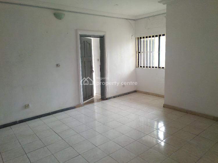 2 Bedroom Flat, Off Chief Collins, Lekki Phase 1, Lekki, Lagos, Flat for Rent