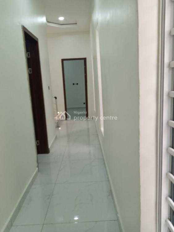 5 Bedroom Fully-detached with a B/q, Bera Estate, Lekki Phase 1, Lekki, Lagos, Detached Duplex for Sale