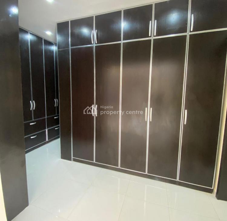 6 Bedroom Detached House, Lekki Phase 1, Lekki, Lagos, Detached Duplex for Sale