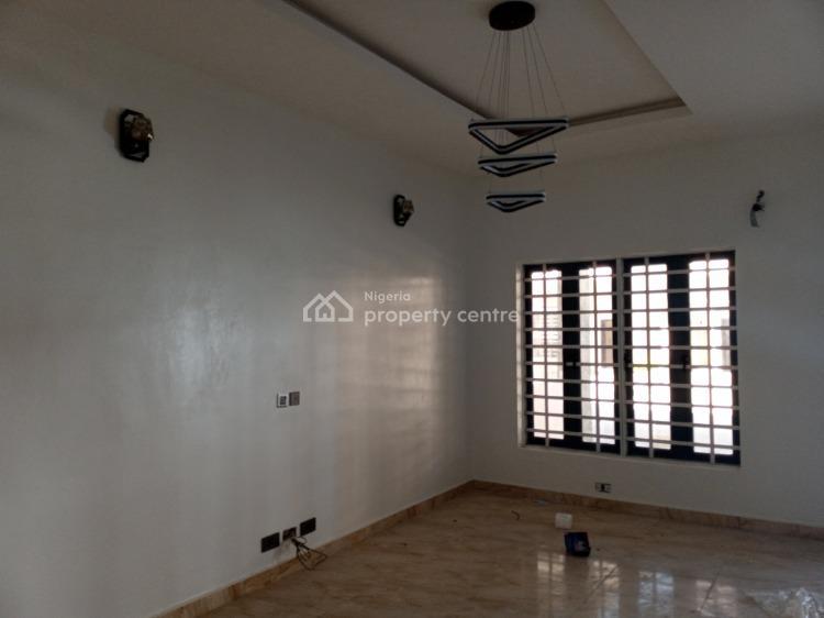 3 Bedrooms Terraced Duplex, Ikota Villa Estate, Ikota, Lekki, Lagos, Terraced Duplex for Sale