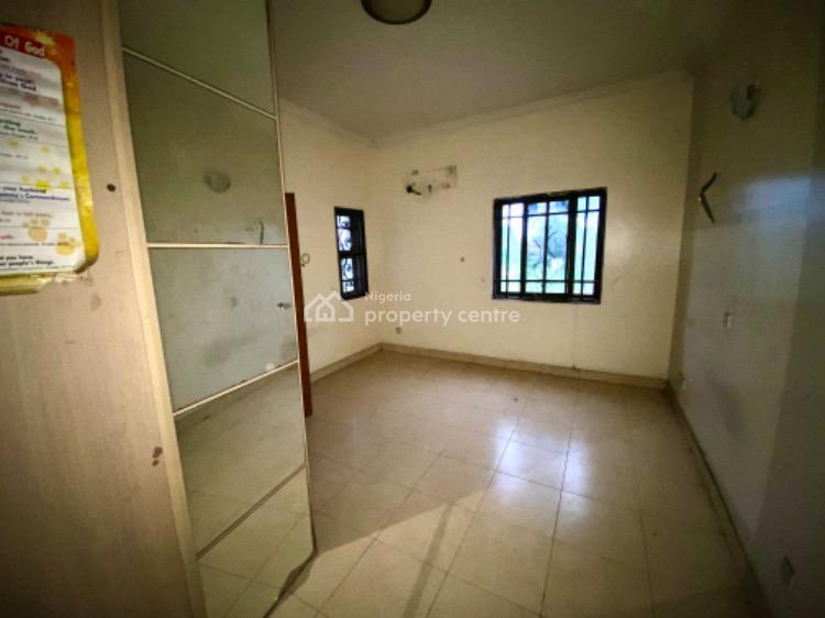 3 Bedroom Maisonette with a Bq, Grace Court Estate, Adekunle, Yaba, Lagos, Flat for Sale