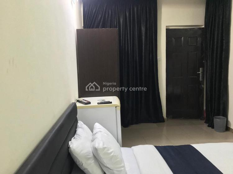Tastefully Furnished a Room Self Contain, Victoria Island (vi), Lagos, Self Contained (single Rooms) Short Let