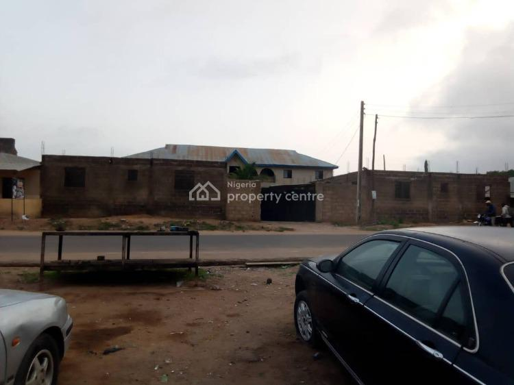 a Storey Building of 4 Flats., Ayekale,ota-efun,osogbo., Olorunda, Osun, Block of Flats for Sale