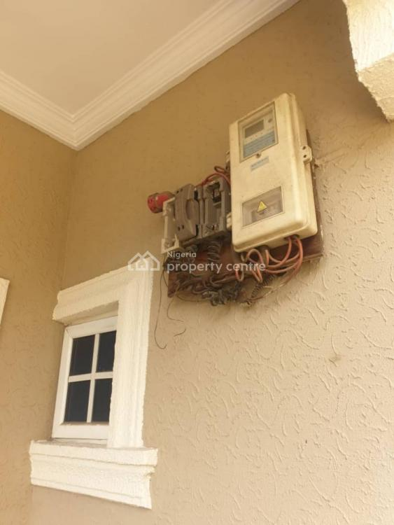 6 Bedrooms Semi Detached Duplex with Bq + Generator, Via Masha-kilo, Adelabu, Surulere, Lagos, Semi-detached Duplex for Rent
