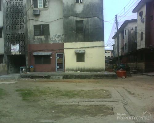 arrange small bedroom for investment property in surulere apena oludipe 10093