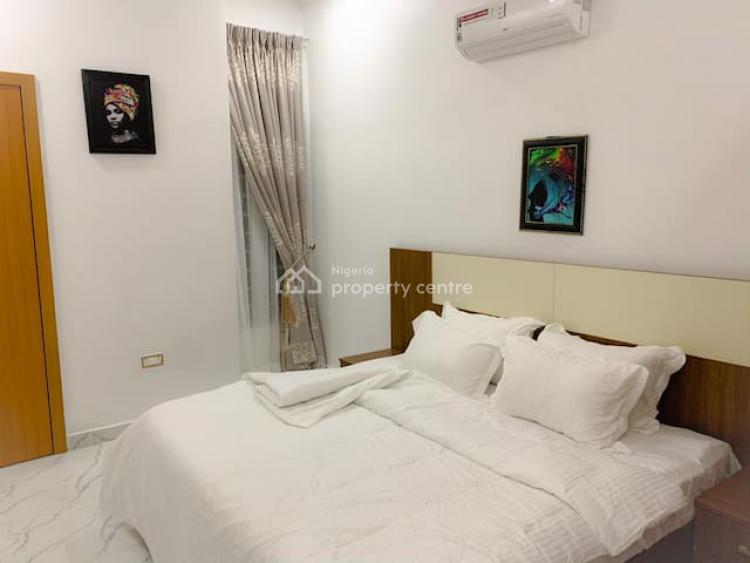Aesthetic 3 Bedroom Apartment with Lounge and Good Facilities, Chevron Drive, Lekki, Lagos, Terraced Duplex Short Let
