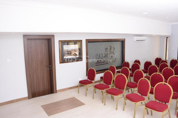 Luxury Hotels with Excellent Amenities, Victoria Island (vi), Lagos, Hotel / Guest House for Sale