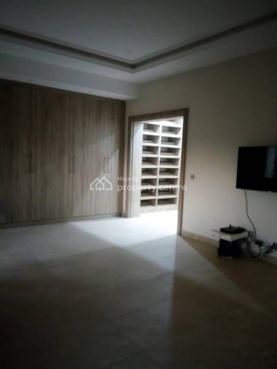 5 Bedrooms Semi Detached with a Bq, Wuye, Abuja, Semi-detached Duplex for Sale