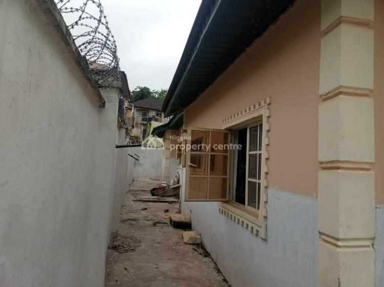 3 Bedroom Bungalow with Room and Parlour Boys Quarters, Sunshine Junction, Ologuneru, Eleyele, Ibadan, Oyo, Detached Bungalow for Sale