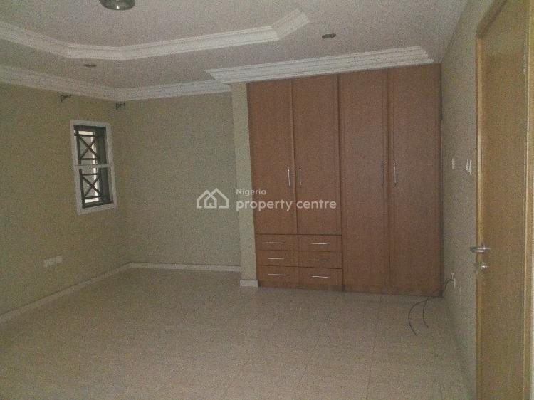 3 Bedroom Terrace in a Gated Mini Estate, Osapa, Lekki, Lagos, Terraced Duplex for Rent