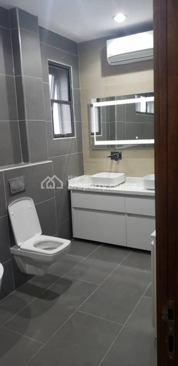 5 Bedroom  Detected House, with Bq., Lekki Phase 1, Lekki, Lagos, Detached Duplex for Sale