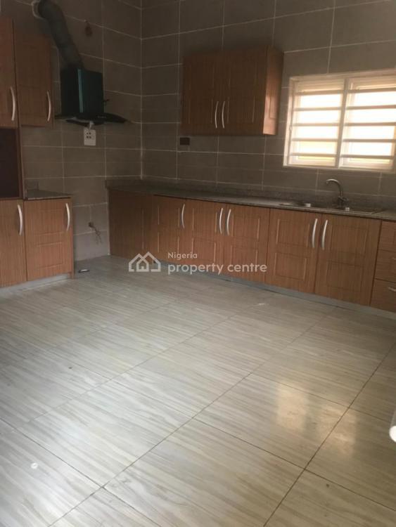 5 Bedrooms Detached Duplex and a Room Bq in an Estate, Ologolo, Lekki, Lagos, Detached Duplex for Rent