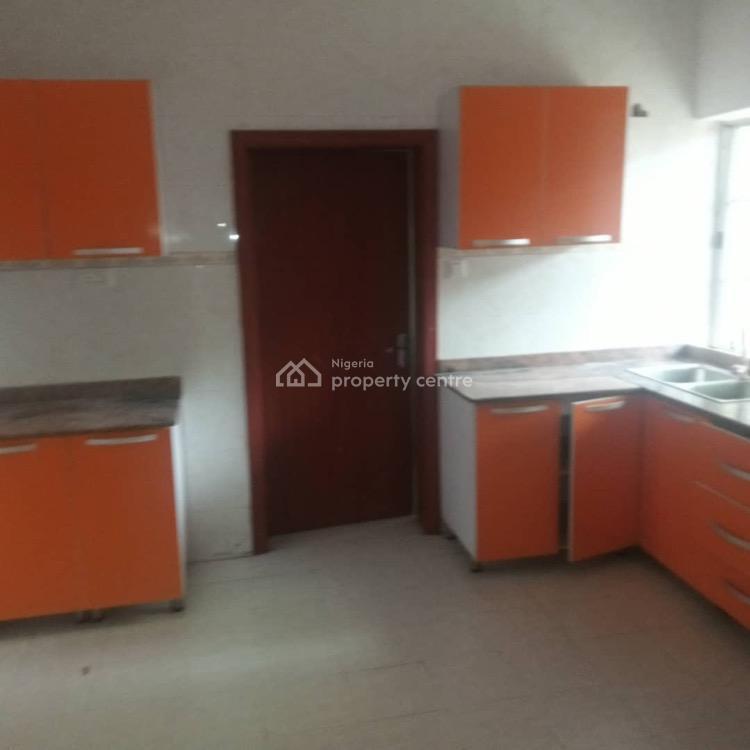 For Rent: 2 Bedroom Apartment, Idado, Lekki, Lagos