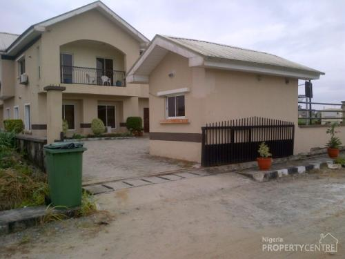 For Sale 4 Bedroom House With Bq At Pearls Garden