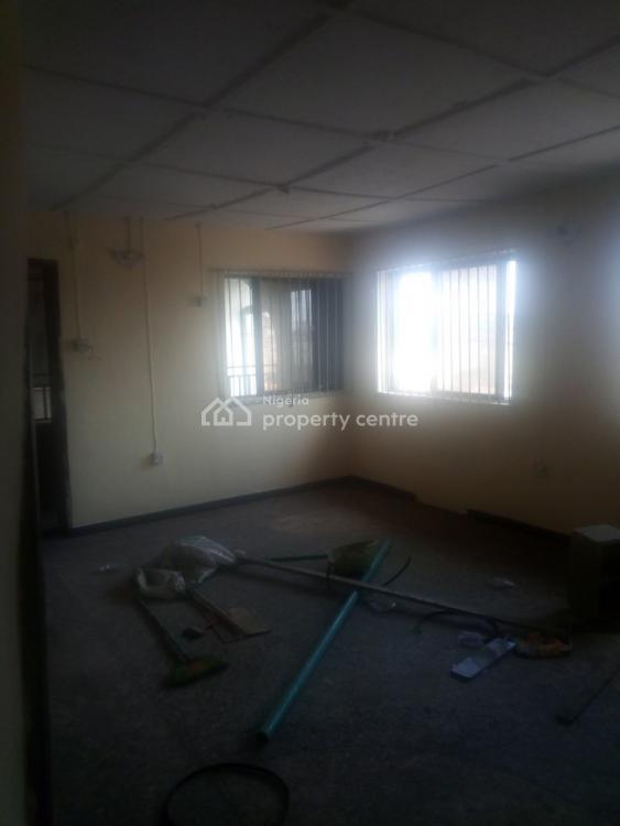 Renovated 3 Bedroom Flat, Apata Street By Pedro Palmgrove., Palmgrove, Shomolu, Lagos, Flat for Rent